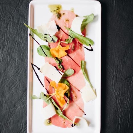 Carpaccio e fruta do bosque_GastroNight +55 Bar_11-06-19
