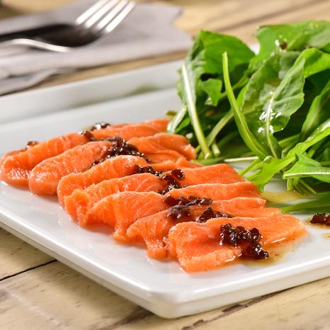 Salada gravlax de salmão