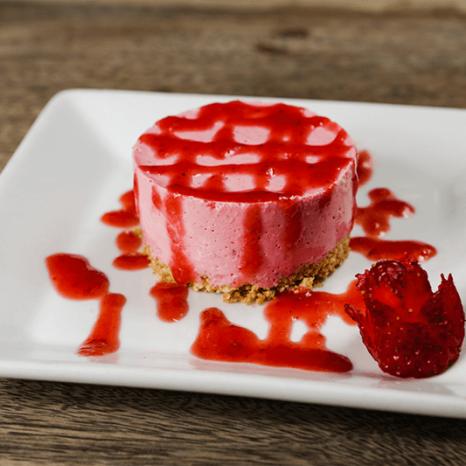 Minicheesecake de morango - Petiscaria do Victor