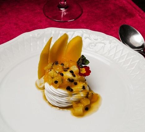 pavlova-de-frutas-amarelas - Armazem Santo Antonio