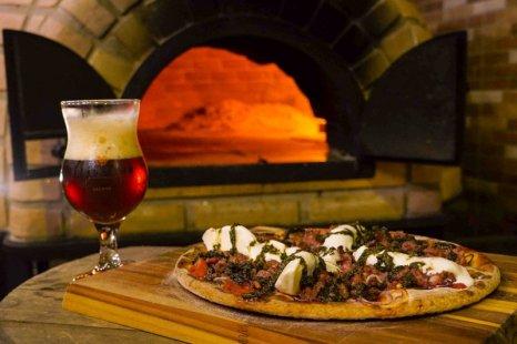 cerveja e pizza - Tap Haus da Bodebrown (1)