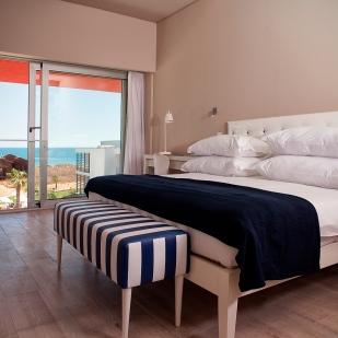 Pestana-Alvor-South-Beach-bedroom